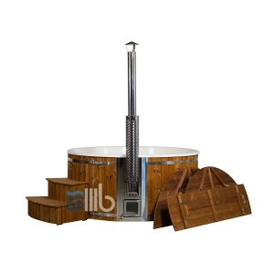 Wellness XL hot tub with integral heater curved steps and wooden cover by the side – BUCI